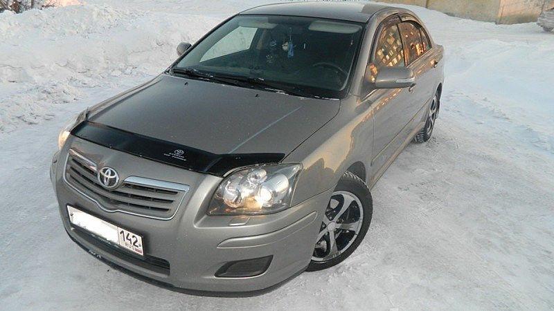 Toyota Avensis 2003-2009 гг. Дефлектор капота...